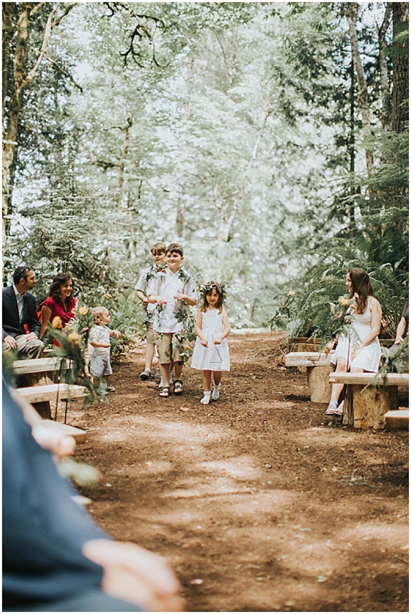 magical-woodlands-wedding-in-vancouver_008