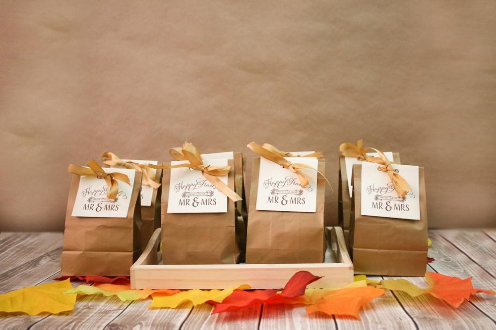Fall Wedding Favors - Pumpkin Spice Trail Mix | The Budget Savvy Bride