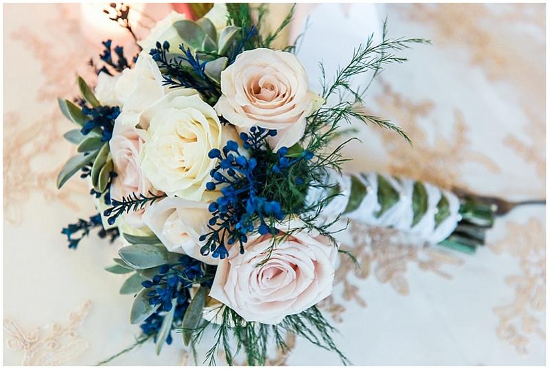 blue and blush weddingflowers