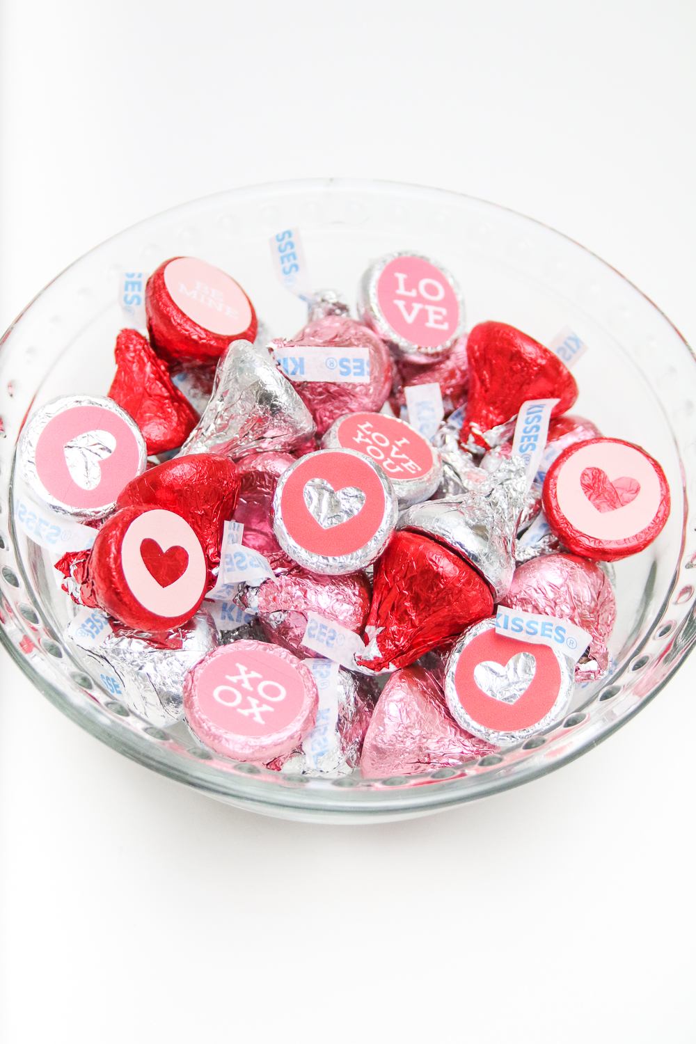 Valentine's Hersey Kiss Stickers made with the Cricut Explore Air!