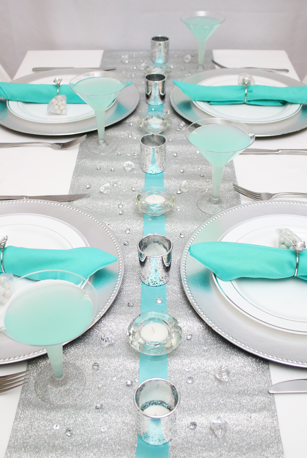 Breakfast at Tiffany\'s Themed Bridal Shower! | The Budget Savvy Bride