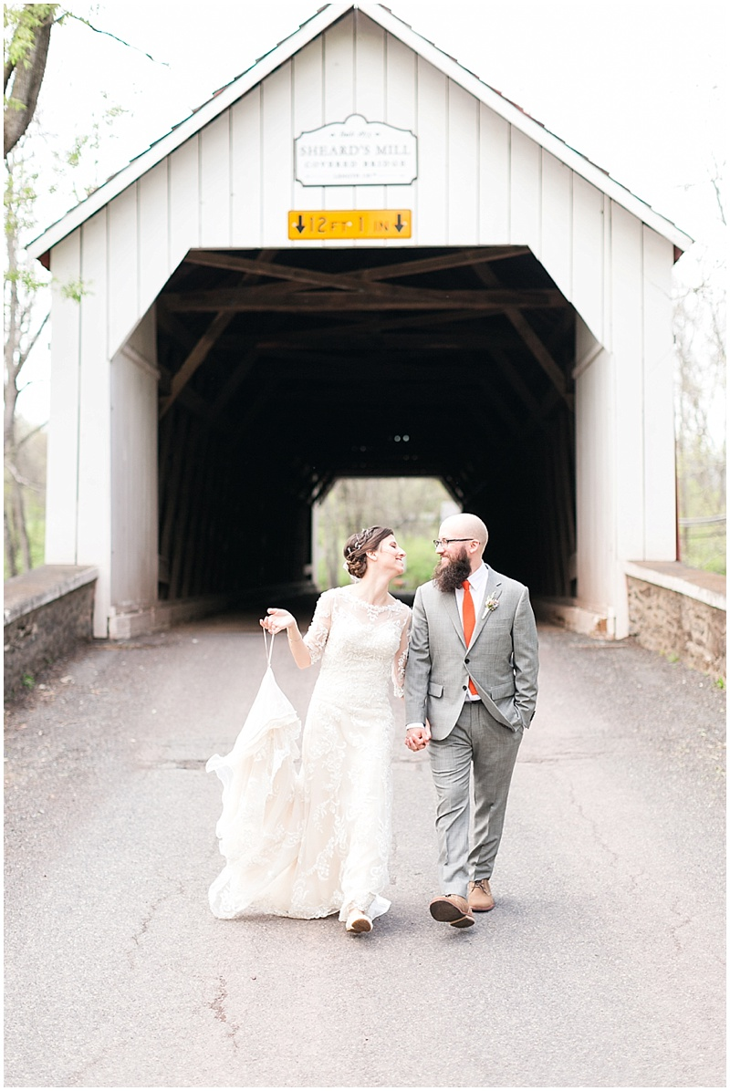 covered bridge wedding photos