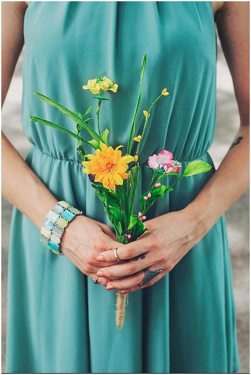 simple wedding flower bouquets