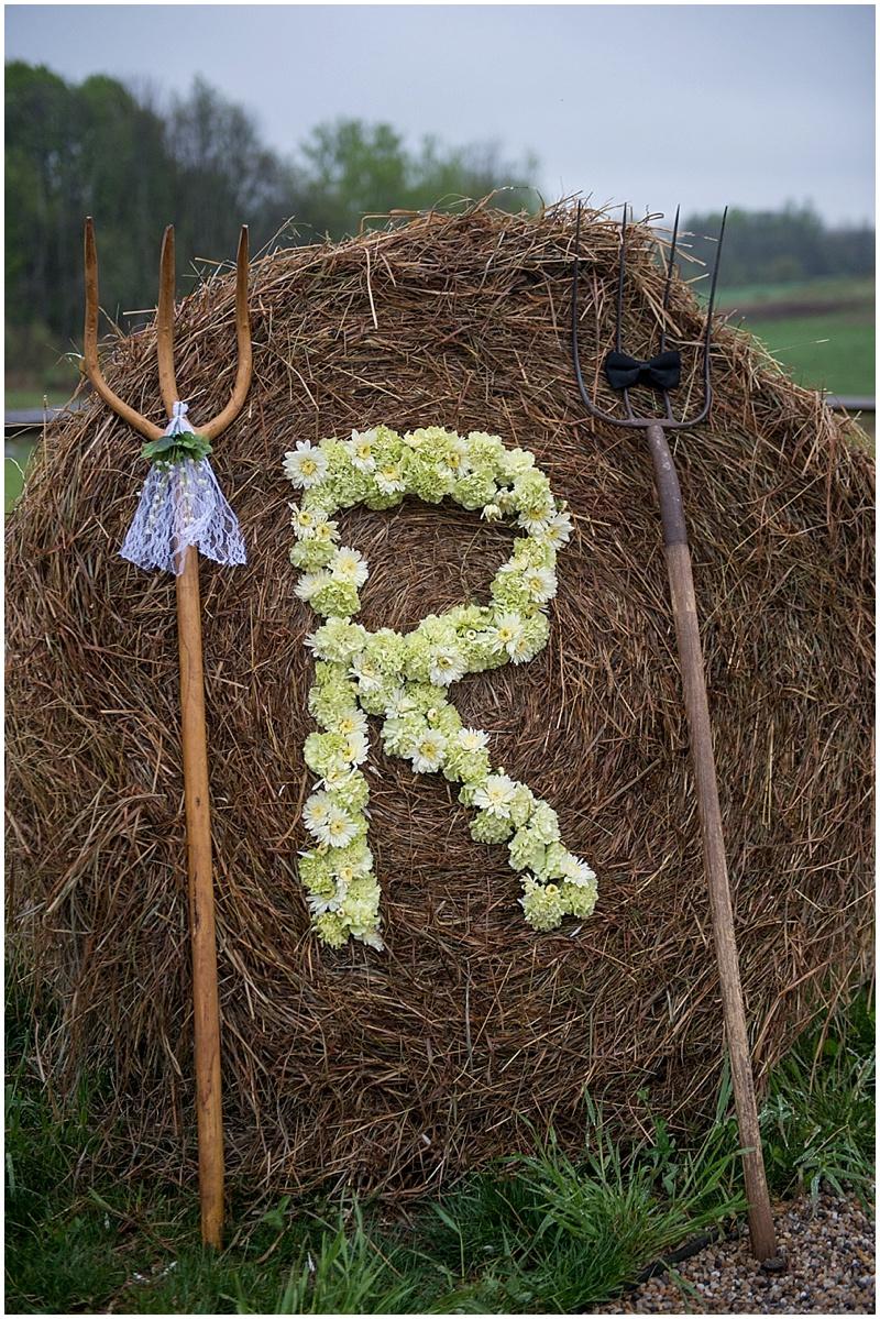 wedding round hay bale