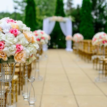 How to Save Money On Popular Wedding Themes - Glamorous Weddings
