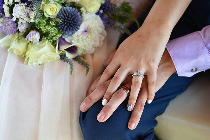 ring wedding photos