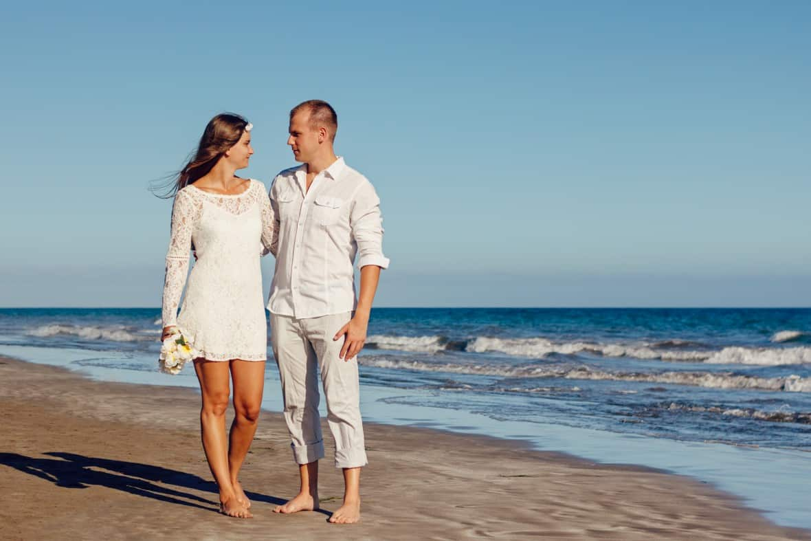 how to have a beautiful destination wedding on a budget