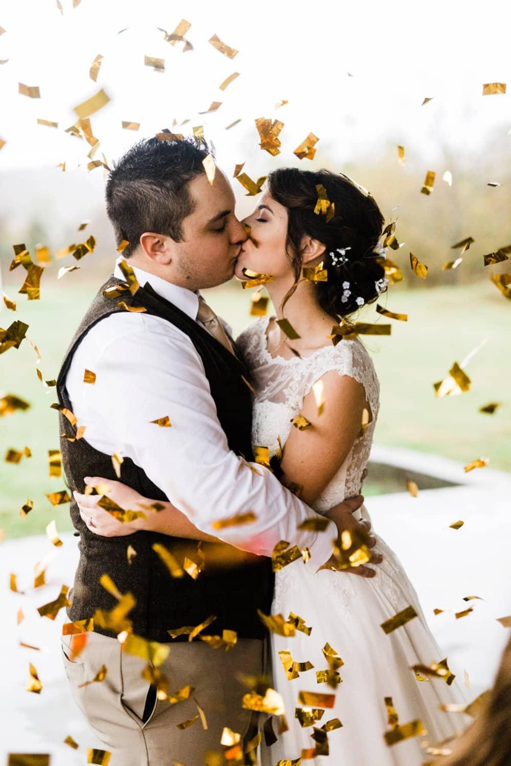 bride and groom photo, fall wedding, confetti photo