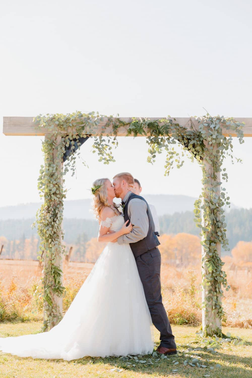 diy wedding altar, barn wedding, fall wedding
