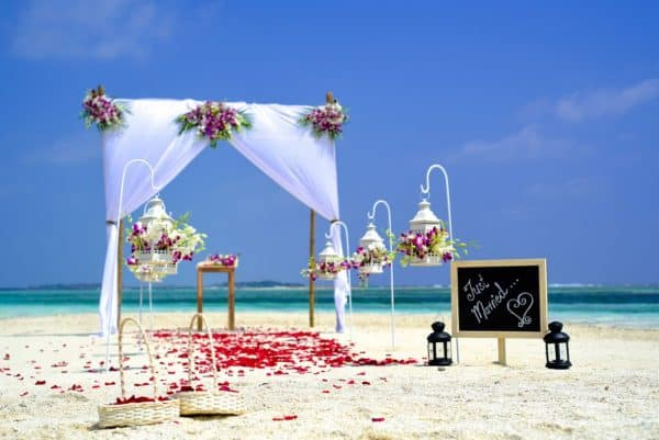 How to Have a Beautiful Destination Wedding