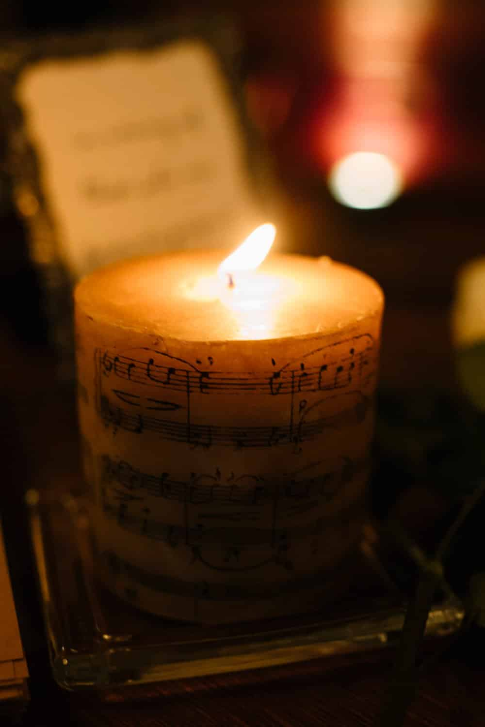 music themed wedding decor, wedding candle,