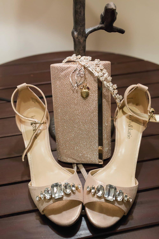 accessories, details, bride style, lake anna wedding