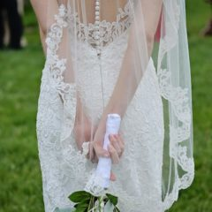 lace edged fingertip veil