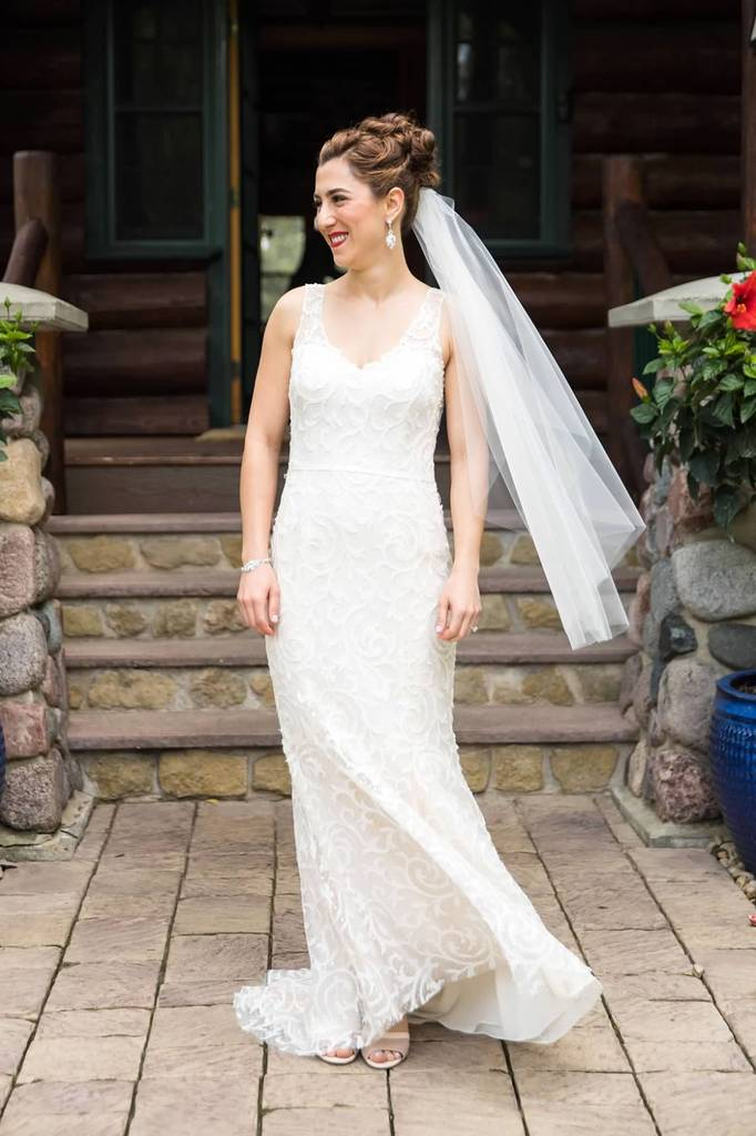 Buy a designer wedding dress from NearlyNewlywed
