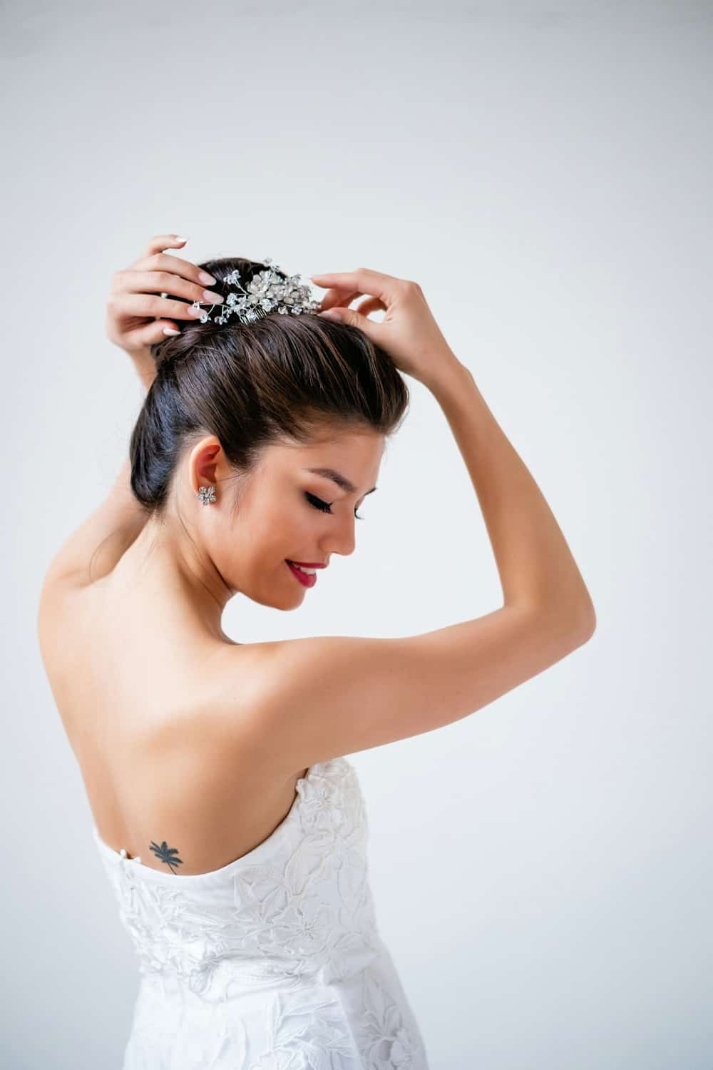 Little things borrowed - bridal accessories for rent - rent your wedding headpiece