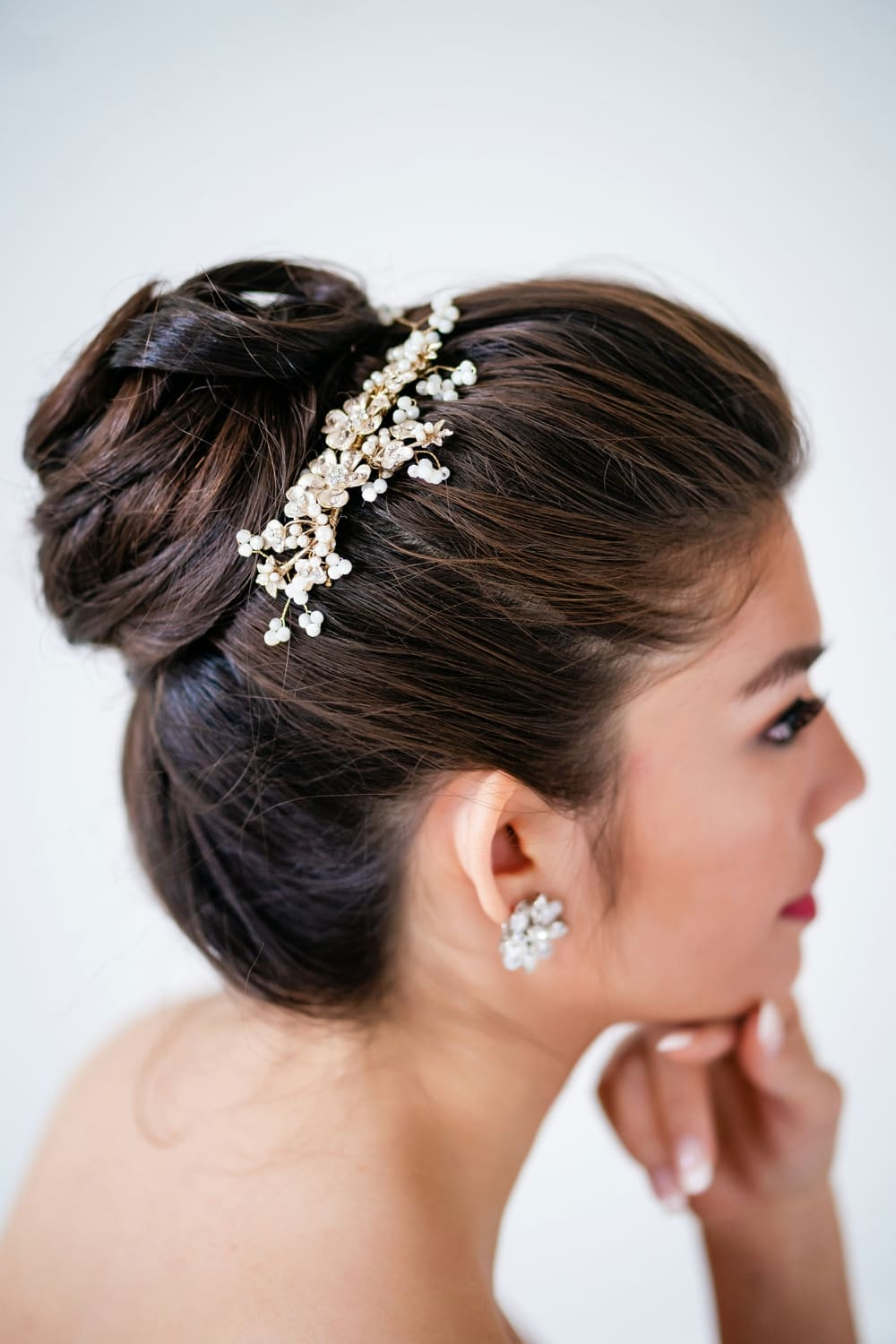 Little things borrowed - bridal accessories for rent - rent bridal headpieces, tiaras, jewelry and more