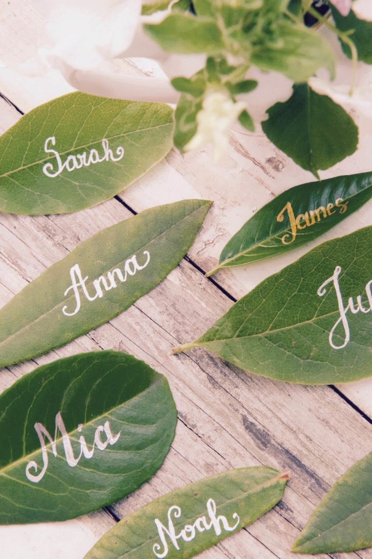 Leaf place cards via LaMiaCasa on Etsy