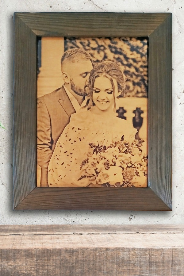 Bronze Wedding Photo - 8th Wedding Anniversary Gift Ideas | Gifts for 8th Anniversary