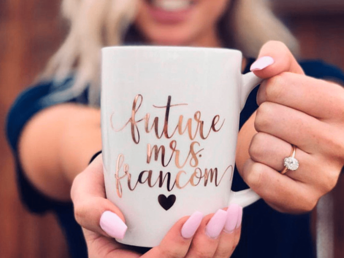 Engagement Gift Ideas The Budget Savvy Bride