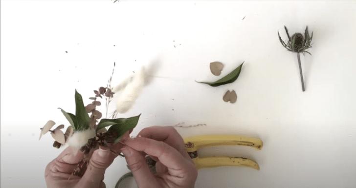 boutonnières florales séchées étape 5