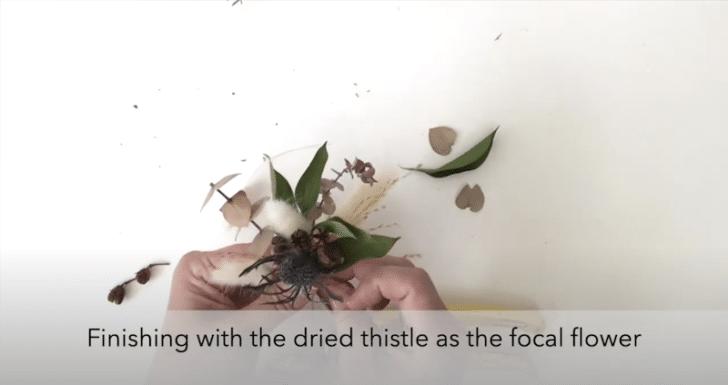 boutonnières florales séchées étape 6